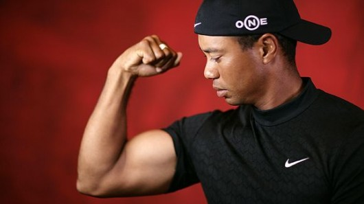 tiger-woods-flexing