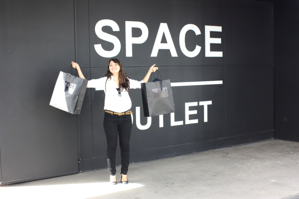 cb696d59531 Shopping  SPACE - Prada   Miu Miu Outlet in Florence