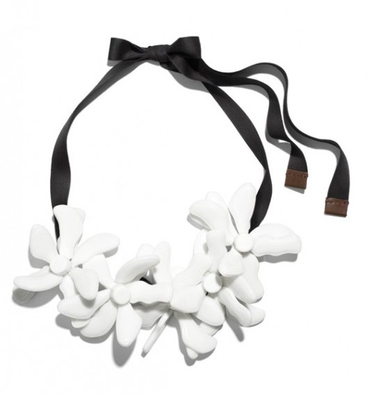 Marni-HM-White-Flower-Necklace