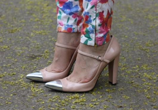 zara-floral-pants-pastel
