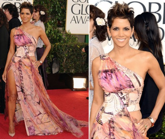 worst-dressed-golden-globes-2013-halle-berry-versace