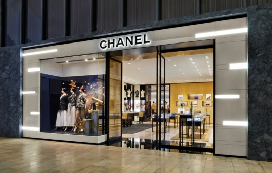 Chanel boutique opens at yorkdale shopping centre in for Centre boutique