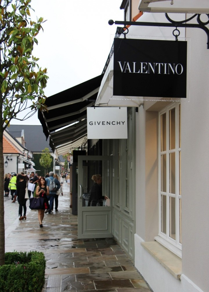 Shopping la vallee village outlets near paris style for Outlet design