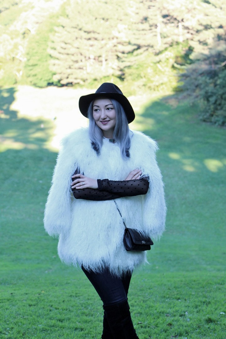 h&m-studio-faux-fur-jacket-cape-over-the-knee-boots-9