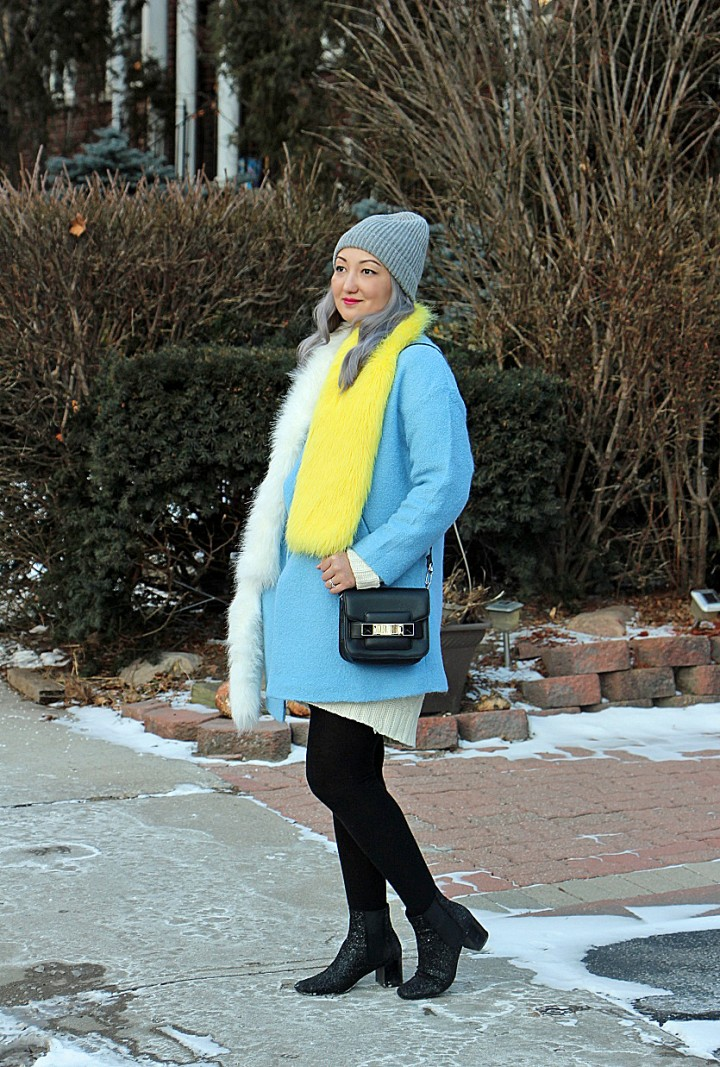 blue-coat-prada-fur-stole-silver-hair-4