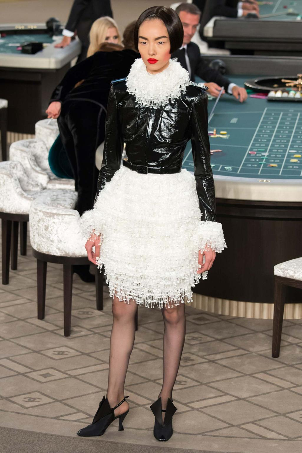 Chanel haute couture fall 2015 casino chanel 16 style for Chanel haute couture 2015