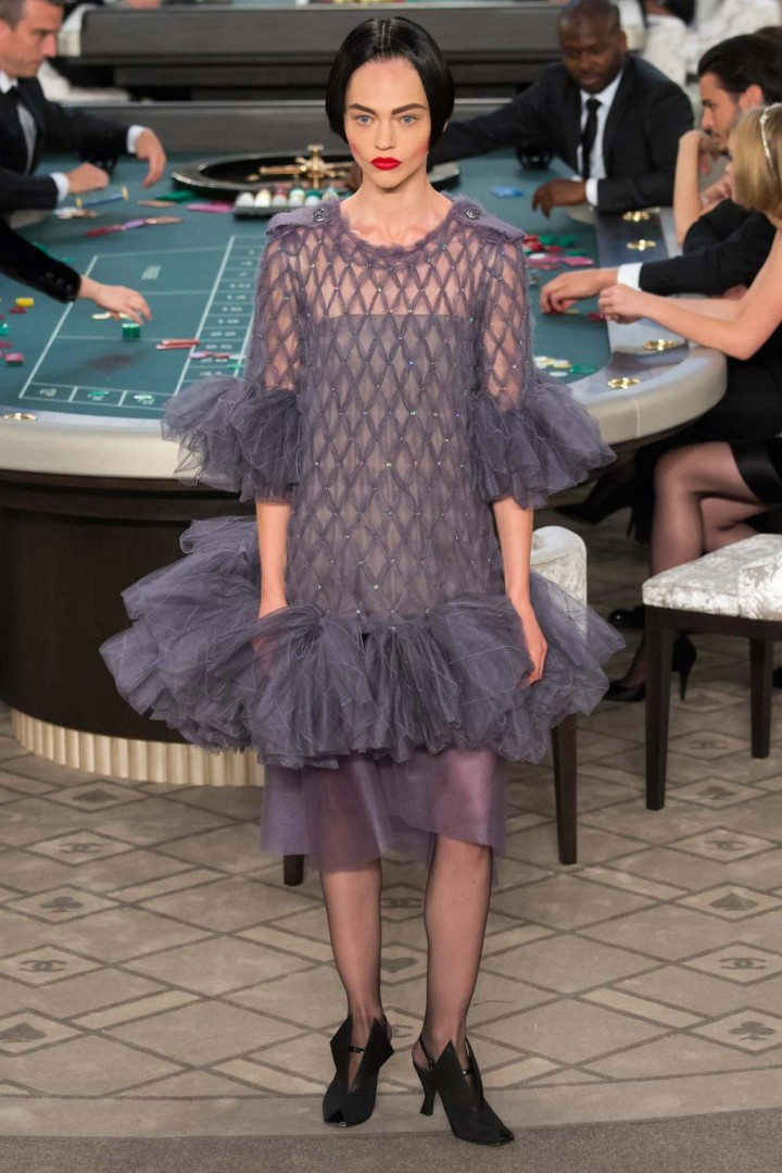 chanel-haute-couture-fall-2015-casino-chanel-8