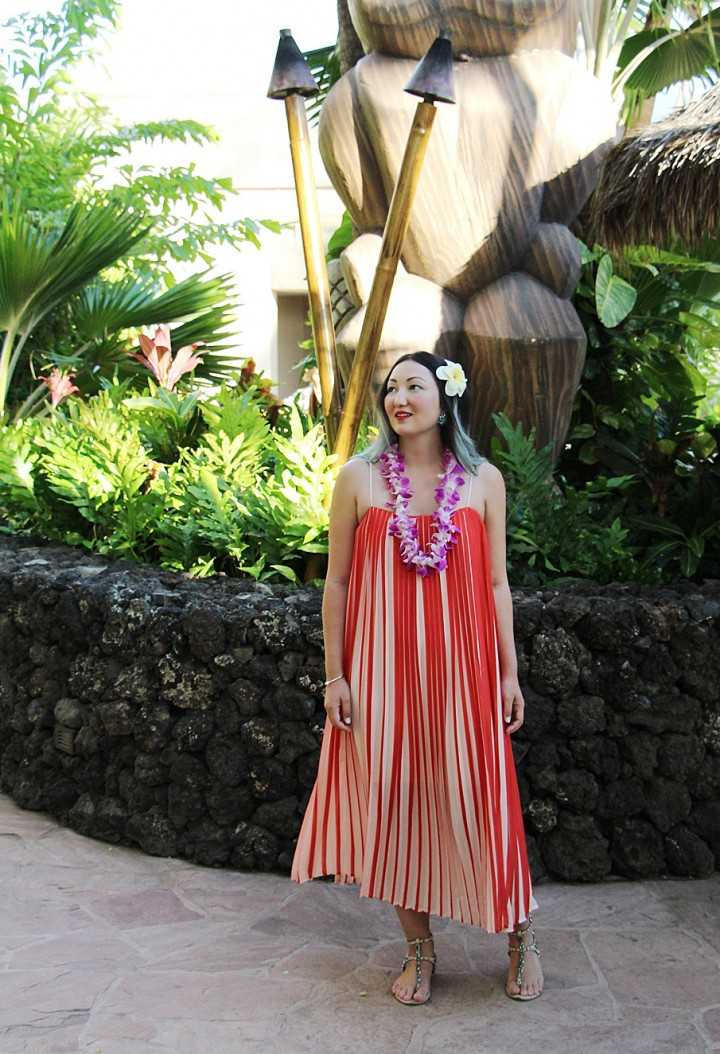 what-to-wear-to-a-hawaiian-luau