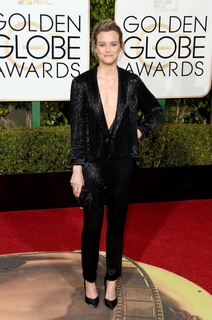 Golden-Globes-2016-Taylor-Schilling-Thakoon