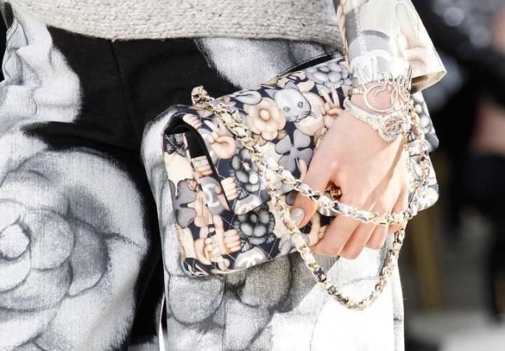 chanel-fall-2016-cat-emoji-print-bag