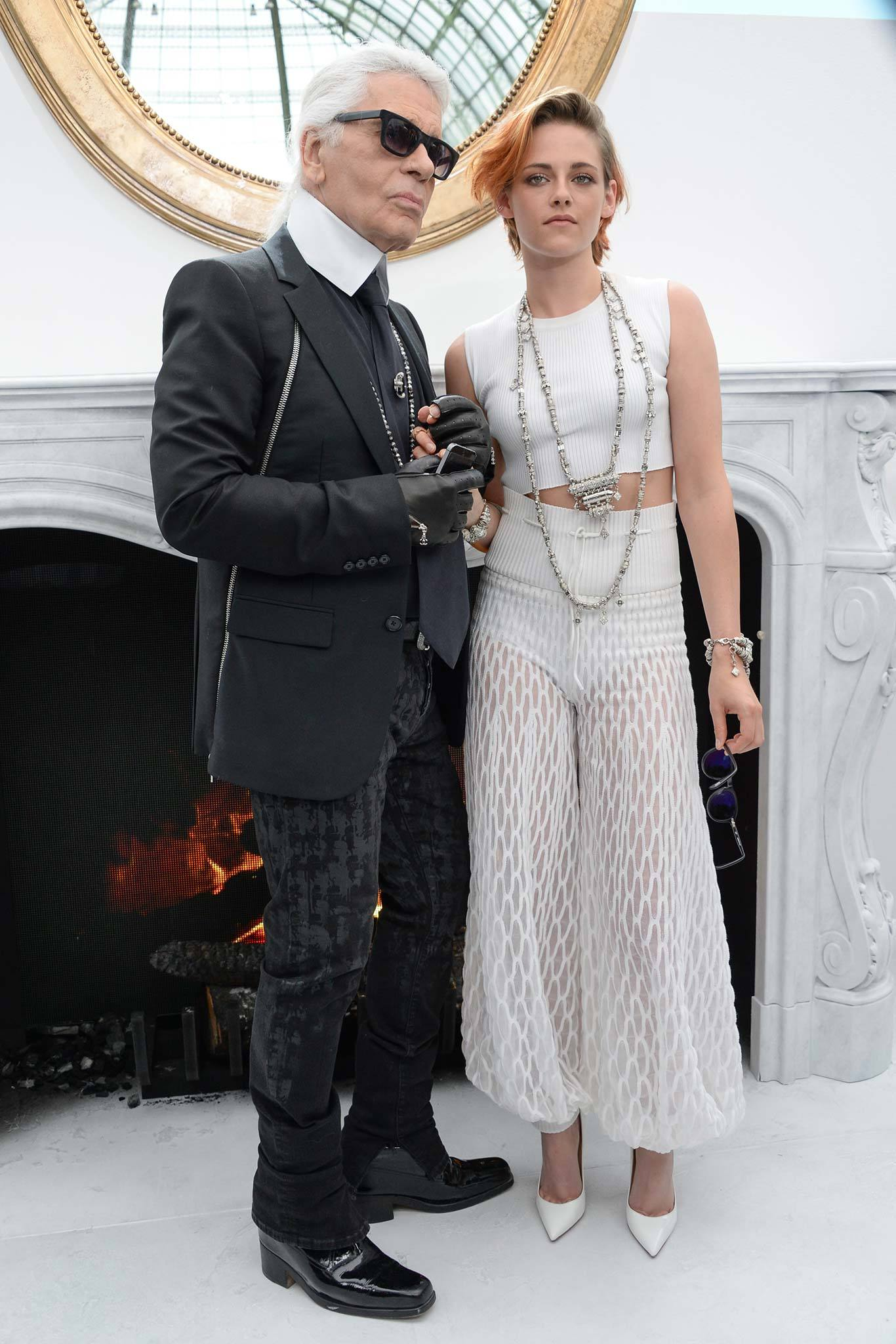 Chanel haute couture fall 2014 karl lagerfeld kristen for Chanel haute couture price range