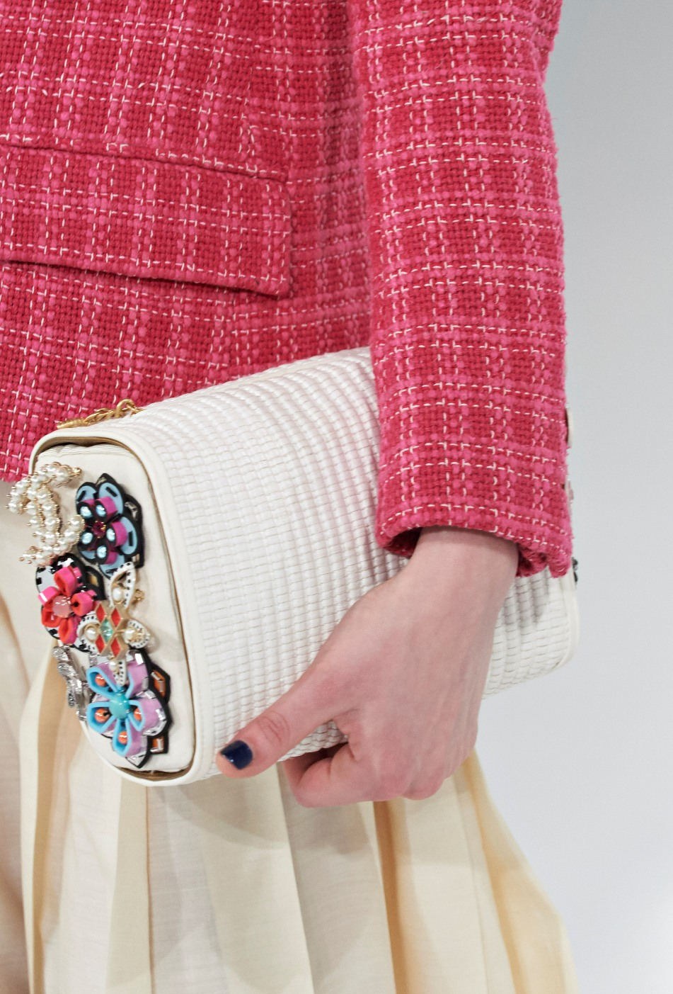 chanel-seoul-resort-cruise-2016-bags-accessories-14  702270289255f