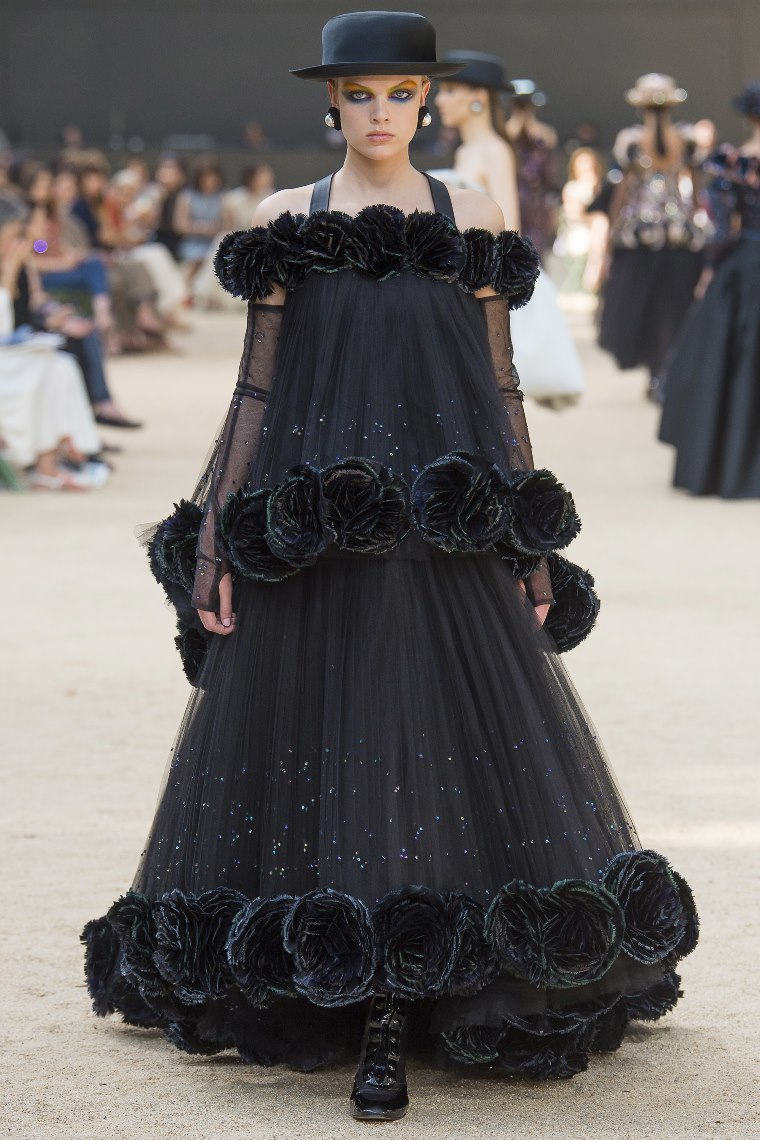 Chanel fall 2017 haute couture 8 style blog canadian for Chanel haute couture price range